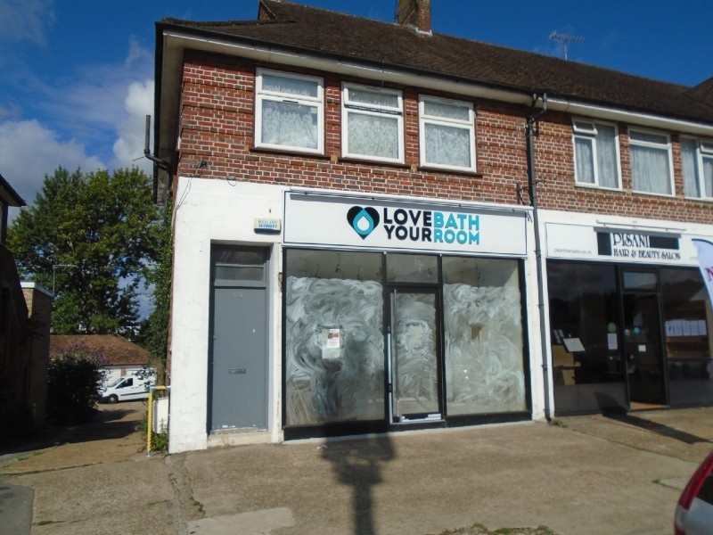 12 DOVERS GREEN ROAD, WOODHATCH – LOCK UP SHOP TO LET ON NEW LEASE
