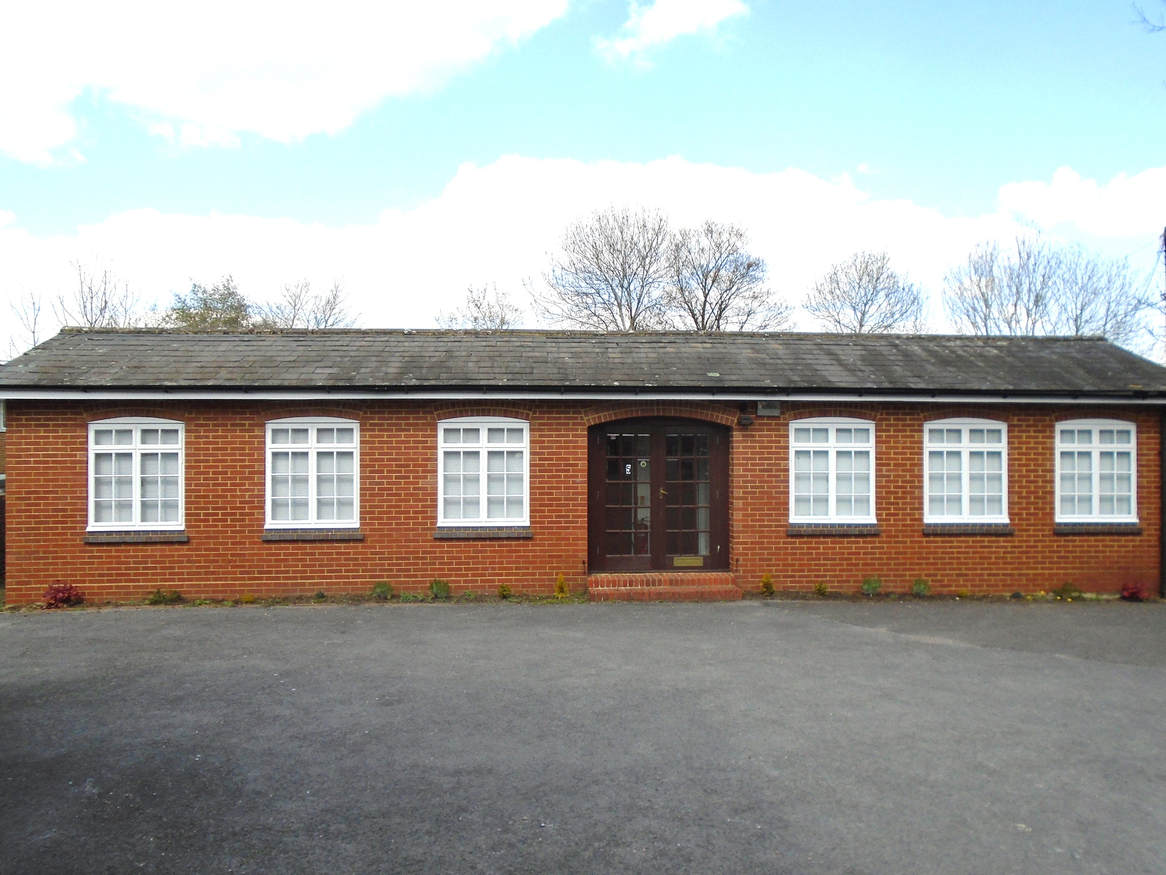 DETACHED CLASS E BUILDING APPROX 480 SQ. FT. WITH 3 PARKING SPACES.  £7,800 per annum.  Unit 5, The Old Tannery, Oakdene Road, Redhill, Surrey RH1 6BT.