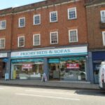 DOUBLE TOWN CENTRE SHOP UNIT TO LET – SALES AREA APPROX 2301 SQ FT ON 2 FLOORS – RENT: £32,500 PER ANNUM EXCLUSIVE ON NEW LEASE